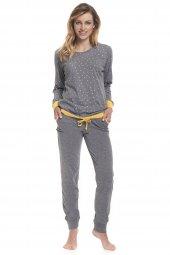 ae22be4ada7 V naší nabídce naleznete bavlněné hřejivé dámské noční košile a dámská a  pánská pyžama. Jsou potažené jemným chlupem z rubové strany.